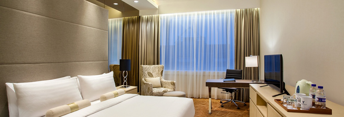 24-HOUR ROOM SERVICE Hotel Jakarta